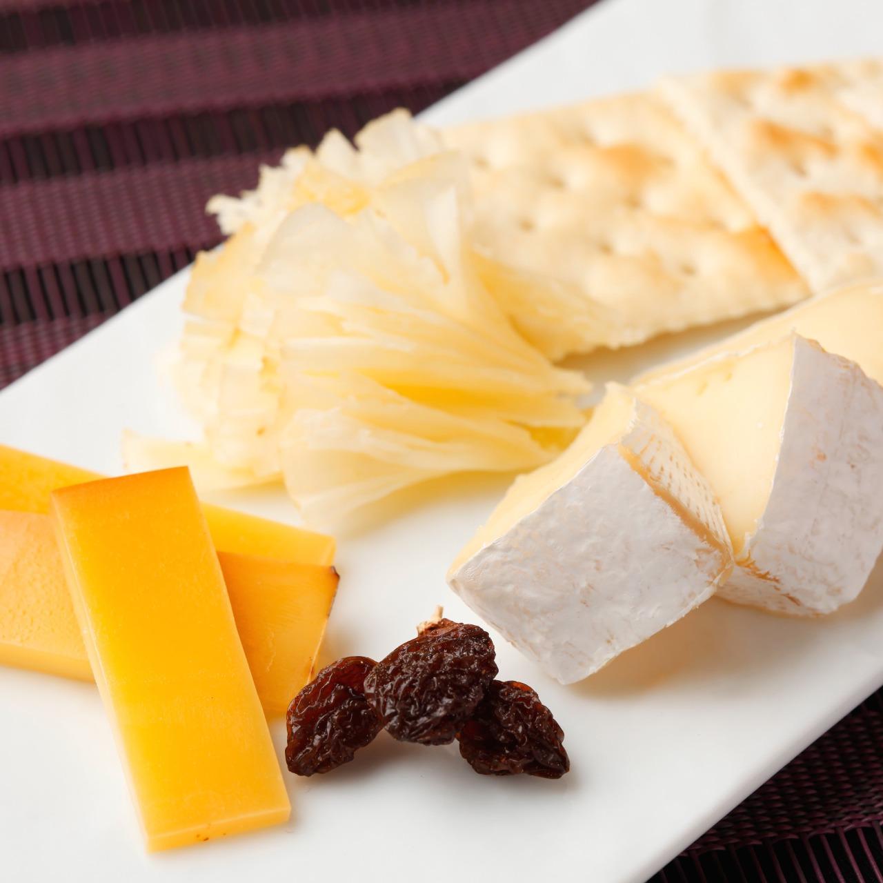 092619d0de3c2bc438935d283ed43248 - チーズ盛り合わせ
