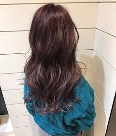 髪色パープル?